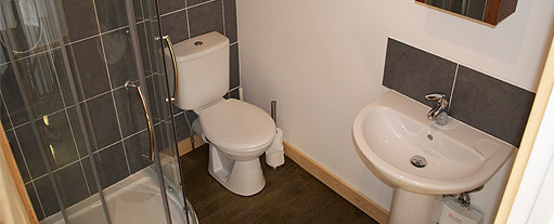 An image of the brand new annex bathroom, complete with luxury power shower.
